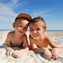 SuperKids Nutrition Guide to Packing Healthy for the Beach