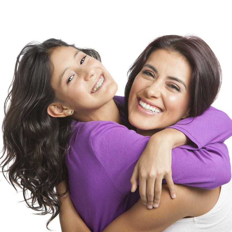 mom and daughter hugging superkidsnutrition.com