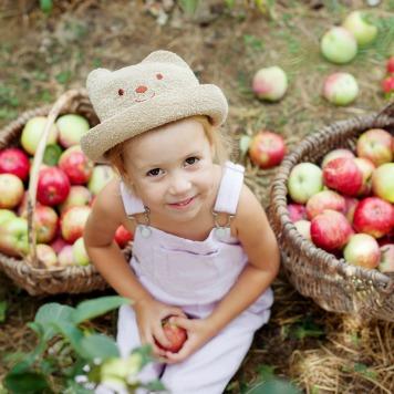 Apple and basket girl