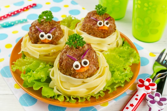 meatball and pasta birds in a nest ideas for picky eaters - SuperKidsNutrition.com