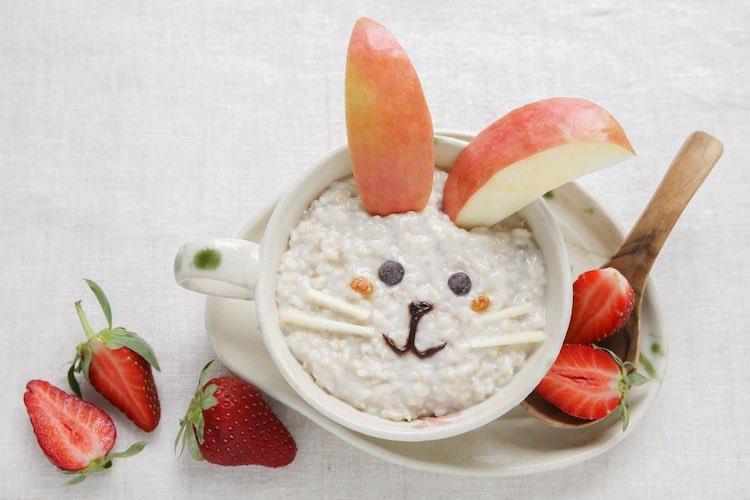 Bunny rabbit porridge breakfast food art for kids for a fun easter activity