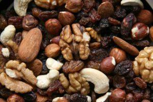 trailmix with walnuts, cashews, raisins