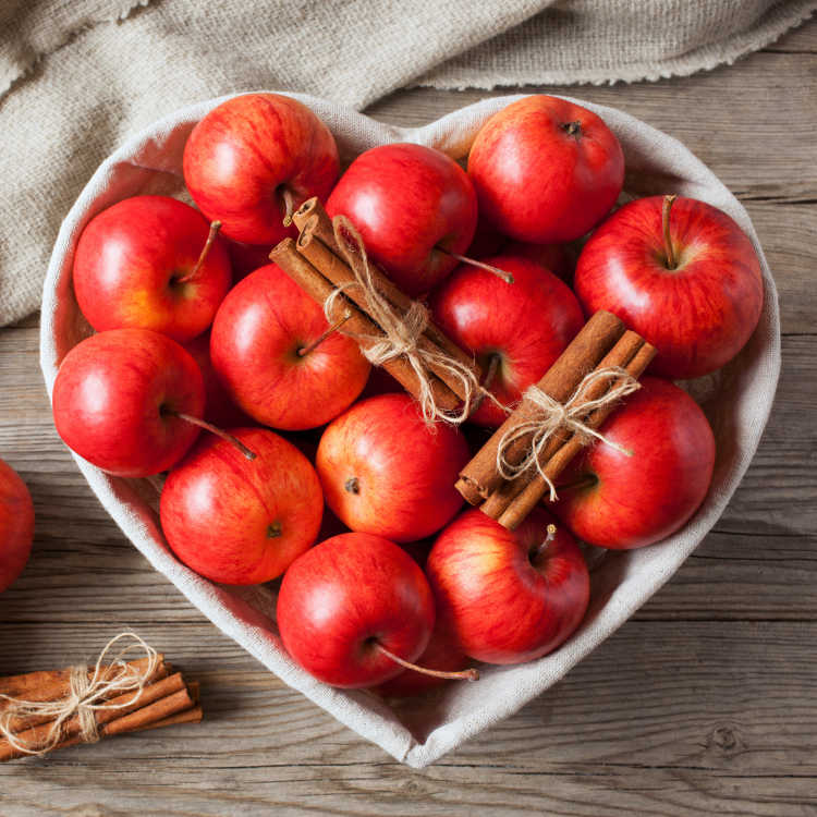 Red apples with cinnamon